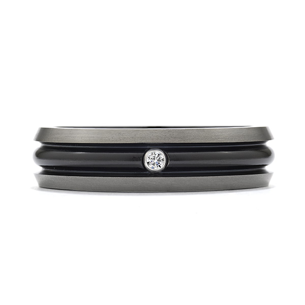 Commanding Black-Titanium Dome Bevel Band